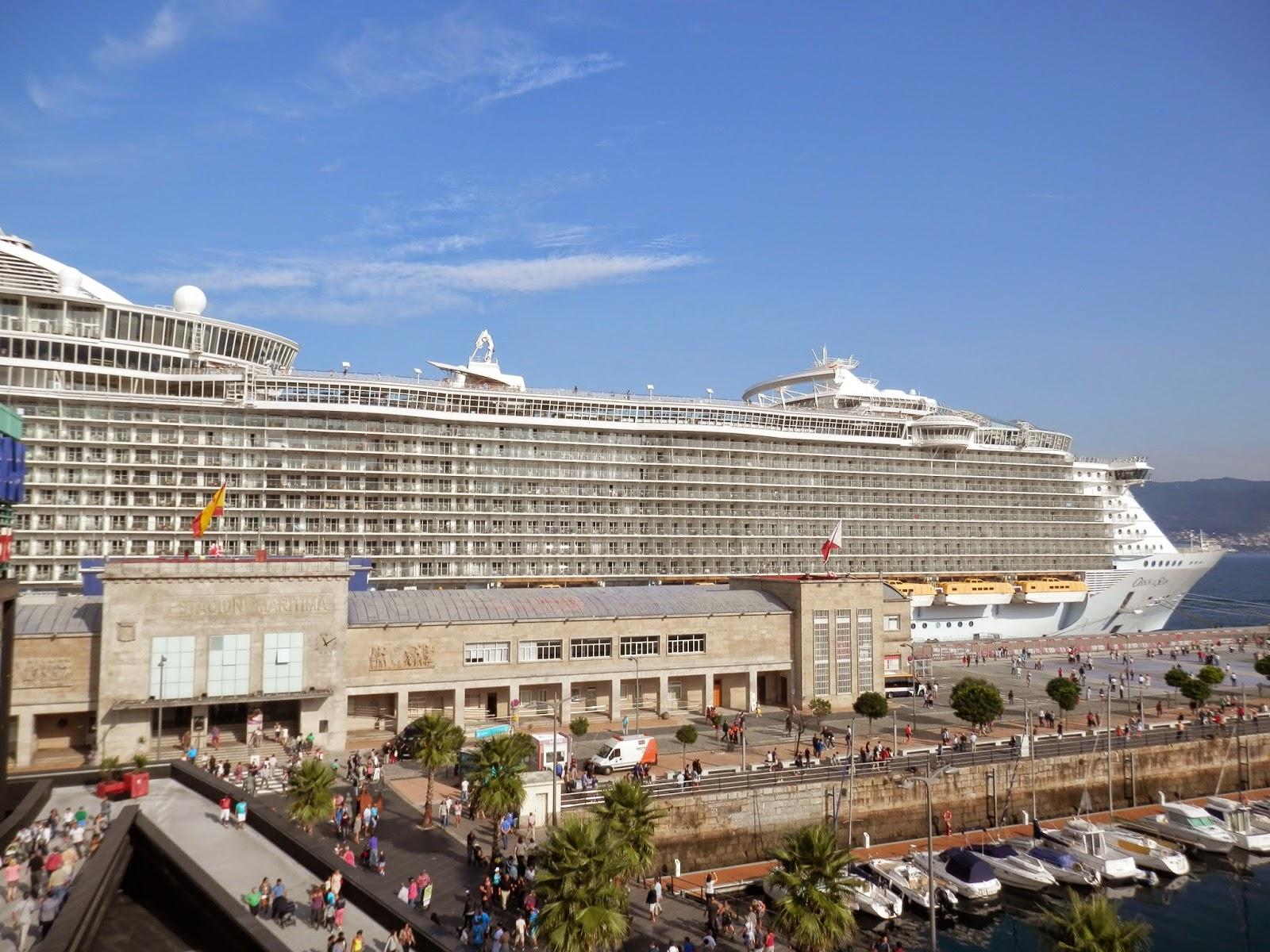 Oasis of the seas en vigo galicia pictures fotos de - Puerto de vigo cruceros ...
