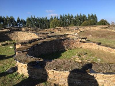 Hispania: Viladonga hill-for  by Hispania: Viladonga hill-fort  by E.V. Pita (2017)  / Link: https://archeopolis.blogspot.com/2017/10/hispania-viladonga-hill-fort-castro-de.html  / Castro de Viladonga (Castro de Rei)  por E.V. Pita (2017)E.V. Pita (2017)  / Link: https://archeopolis.blogspot.com/2017/10/hispania-viladonga-hill-fort-castro-de.html  / Castro de Viladonga (Castro de Rei)  por E.V. Pita (2017)